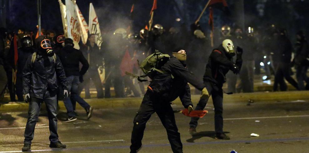 Griegos se movilizan contra el último gran paquete de reformas del rescate