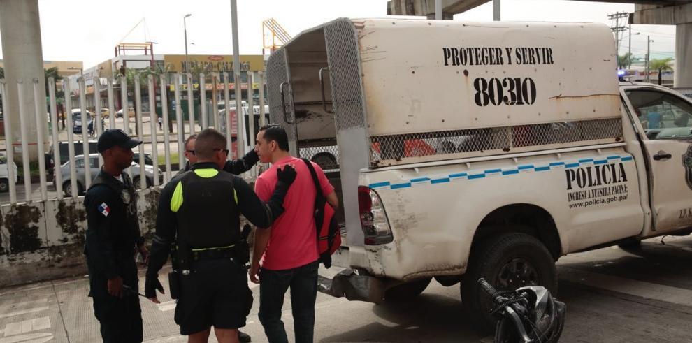 Sancionan a personas por mala disposición de la basura en San Miguelito