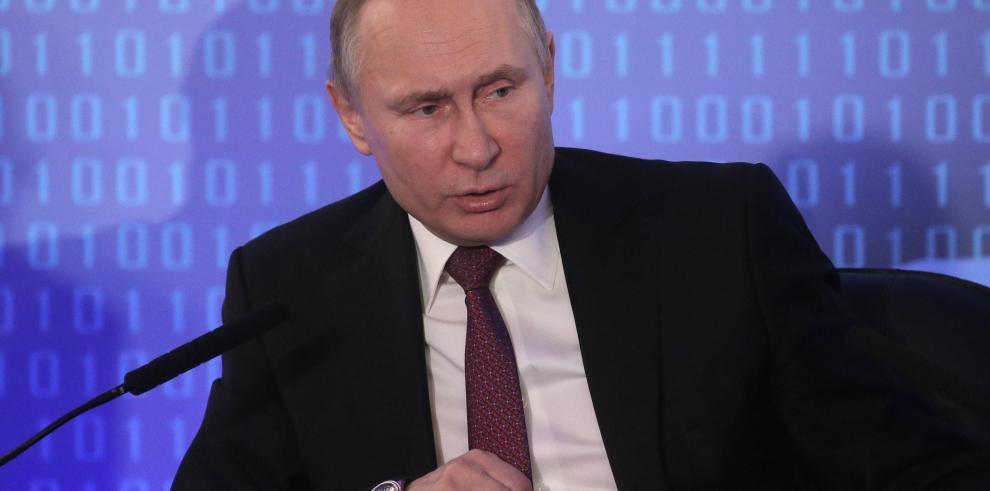 Putin habla con Trump de conflicto palestino-israelí antes de recibir a Abás