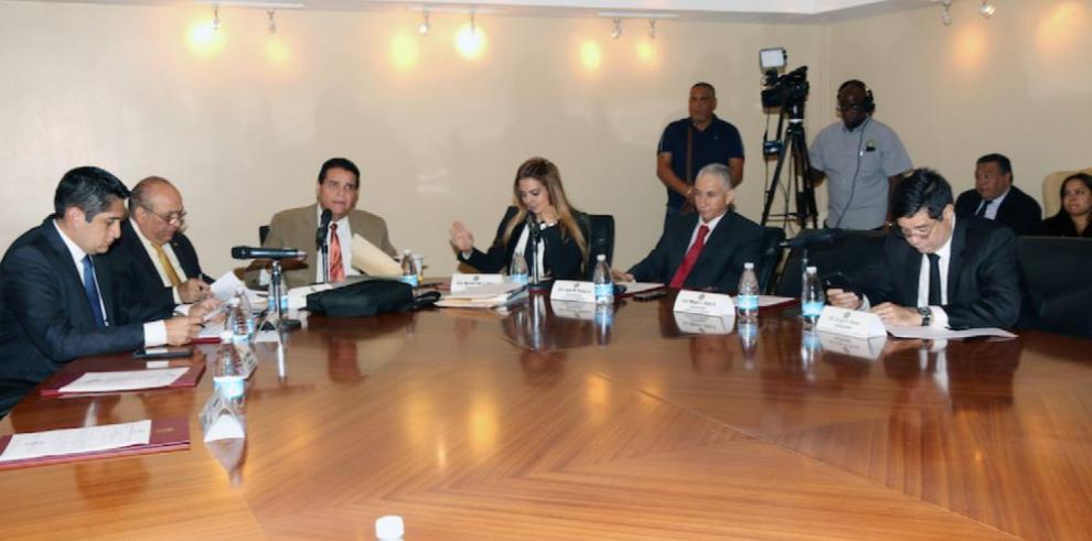 Credenciales archiva otro expediente contra el magistrado Harry Díaz