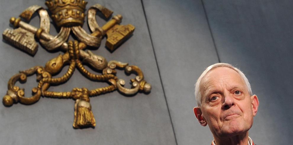 El papa acepta renuncia de arzobispo de Washington acusado de encubrir abusos