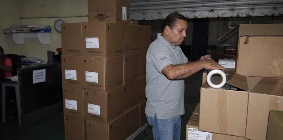 Complejo Hospitalario recibe primeras cajas de medicamentos e insumos quirúrgicos
