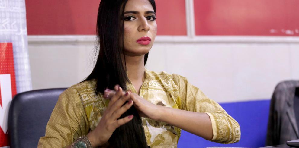 La primera transexual presentadora de TV rompe barreras en Pakistán