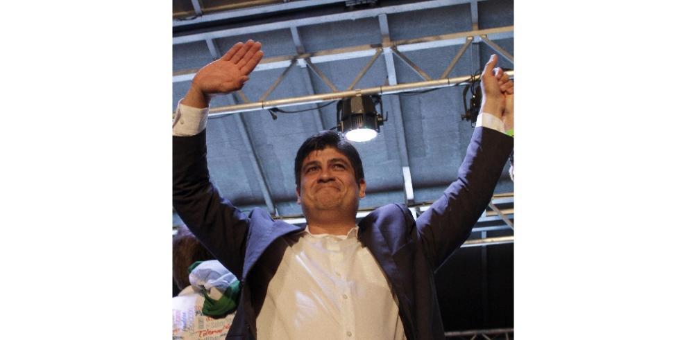 Varela felicita a Carlos Alvarado electo como nuevo presidente en Costa Rica