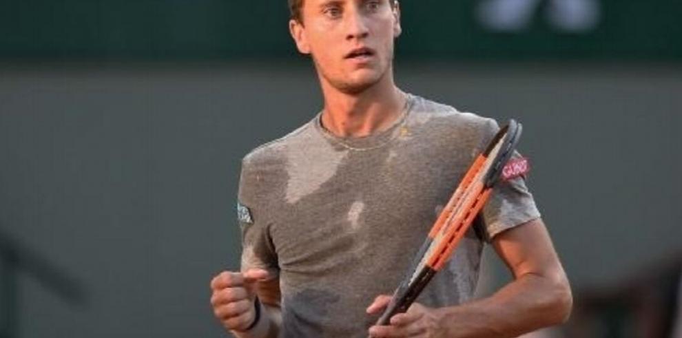 Renzo Olivo, de la ATP, dictó taller de tenis