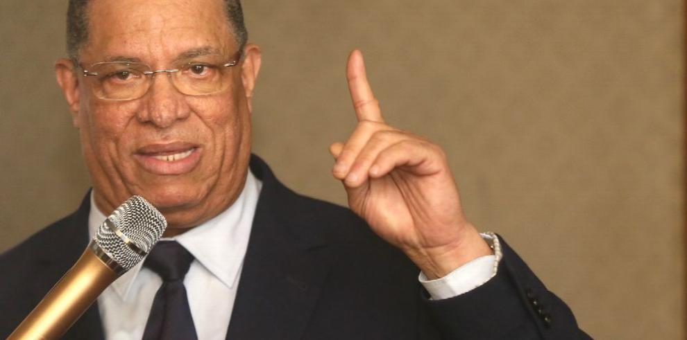Alleyne cuestiona el clientelismo político
