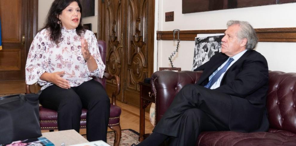 El Gobierno español pide respeto hacia Zapatero tras las críticas de Almagro
