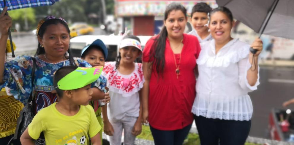 Iglesia Bautista en Panamá conmemora el mes de La Biblia