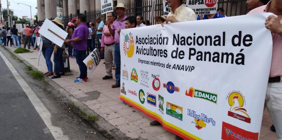 Anavip se manifiesta para crear conciencia sobre consumo del producto nacional