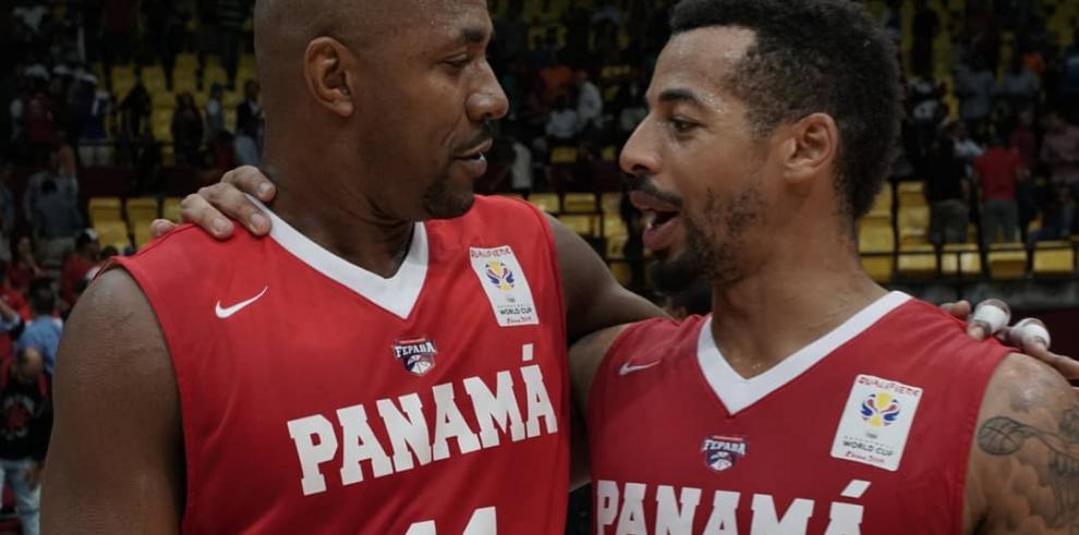 Panamá vence a Paraguay en baloncesto