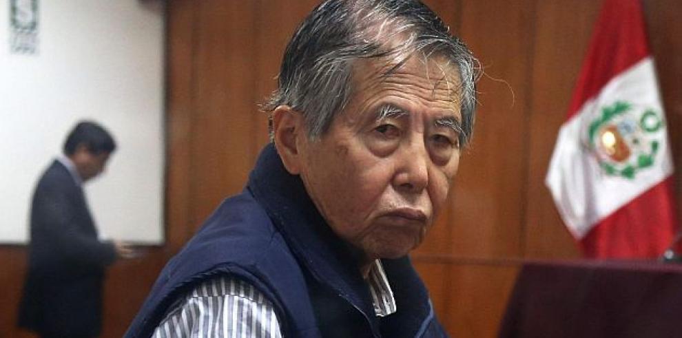 Fujimori alienta a su hija Keiko a enfrentar