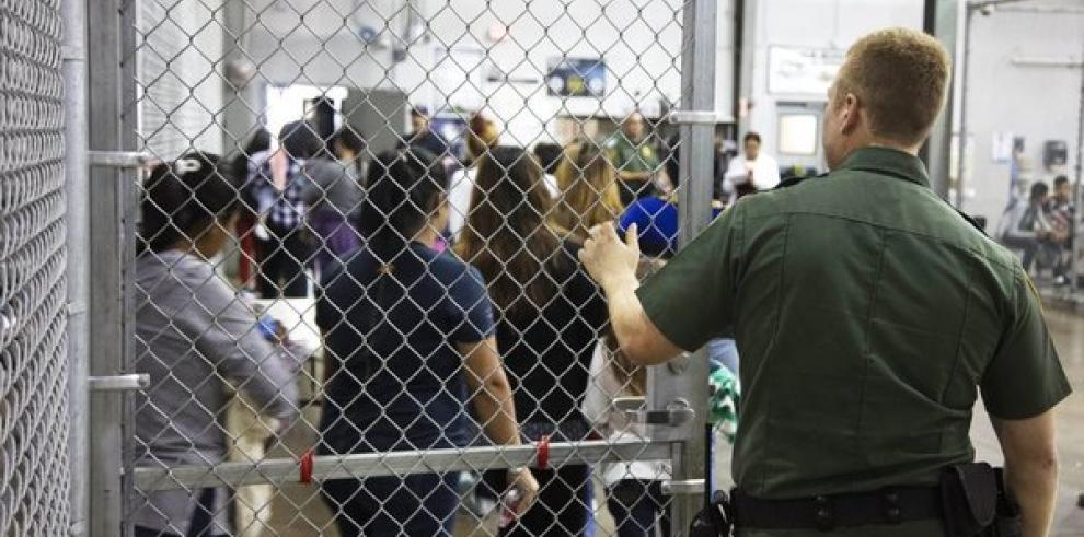 Salvadoreña abusada sexualmente en albergue EEUU es reunificada con familia
