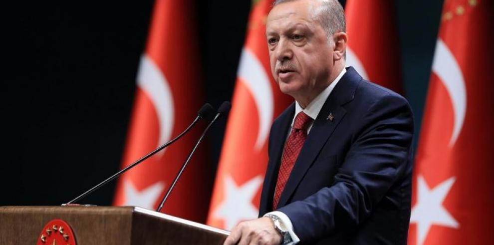 Cárcel para un cineasta que retrató a Erdogan en un filme sobre el golpe