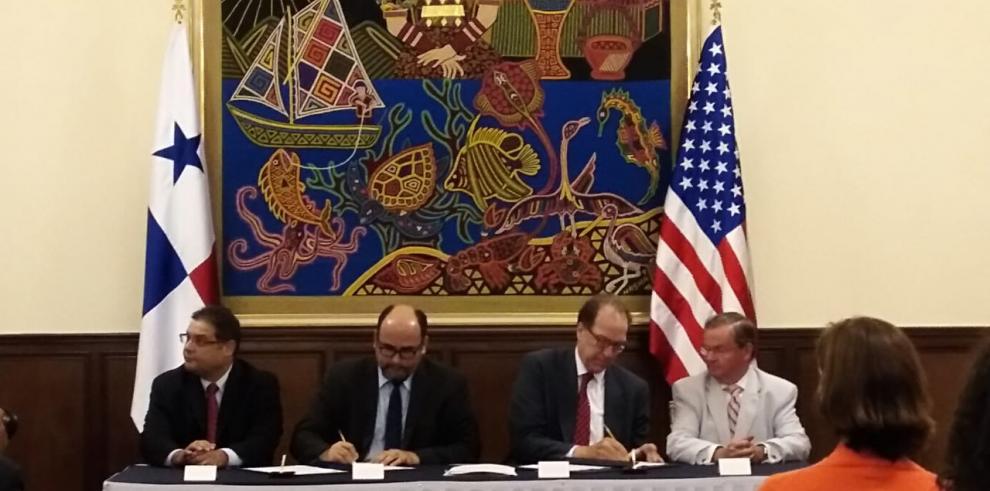 Panamá y EE.UU. firman convenio de energía einfraestructura