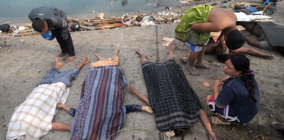 Terremoto en Indonesia deja al menos 385 fallecidos