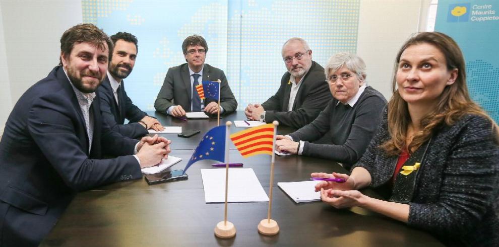 Puigdemont busca retornar a Barcelona