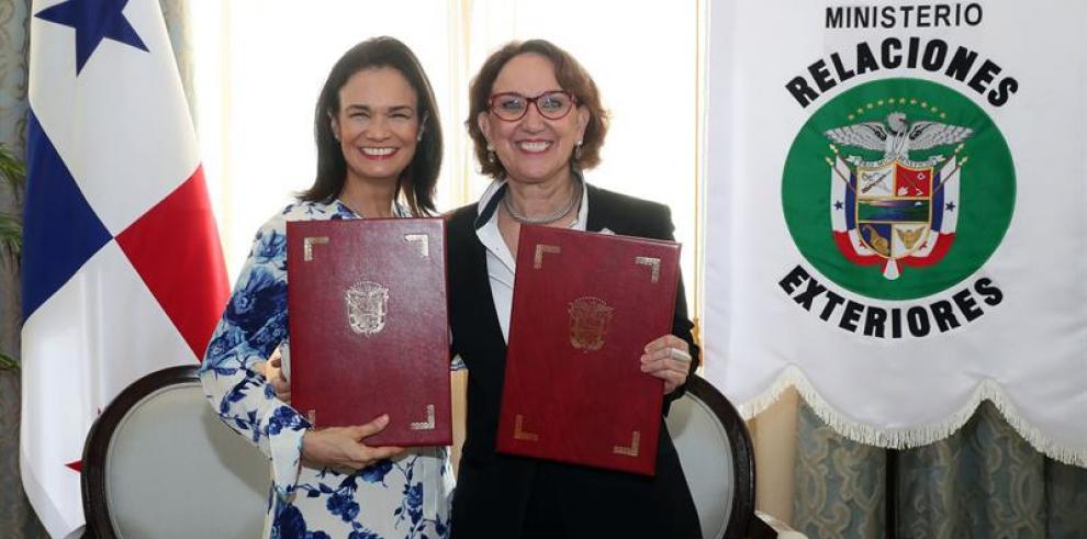 Panamá firma acuerdo para fondo de cooperación con Secretaría Iberoamericana