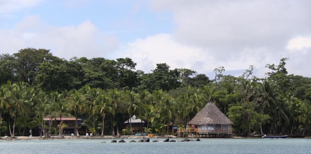 Isla Colón recibe a su cuarto crucero en 2018