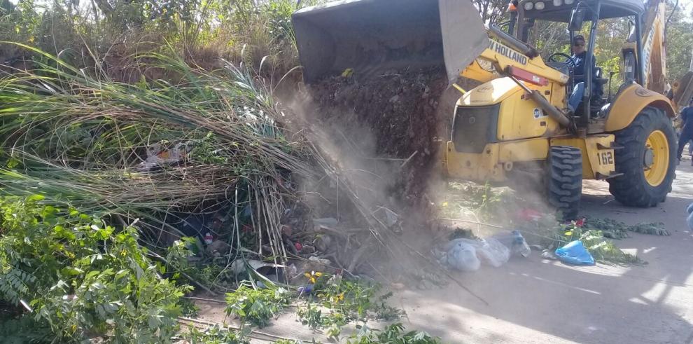 Miviot recolectómás de 4 toneladas de basura en jornada de aseo
