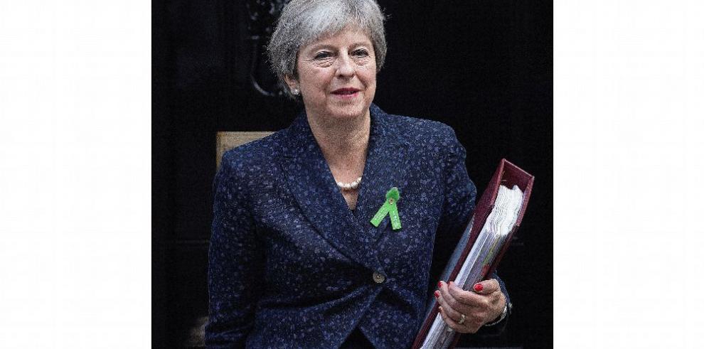May pide apoyo al Parlamento en su plan de 'brexit'