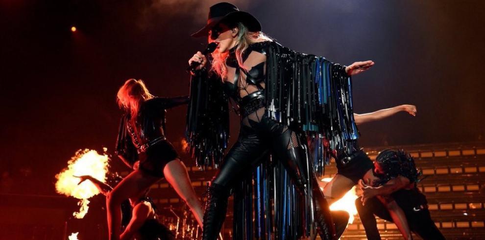 Lady Gaga y Pink actuarán en los Grammy