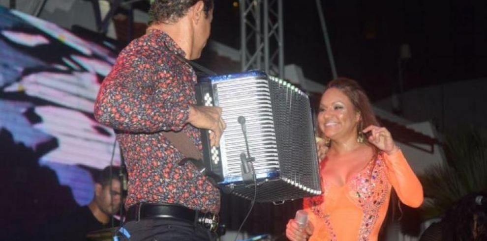 Carlos Vives invitado a cerrar festival de verano del Canal de Panamá