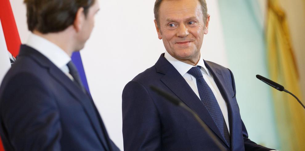 Tusk: El presupuesto UE debe dar prioridad a lucha contra inmigración ilegal