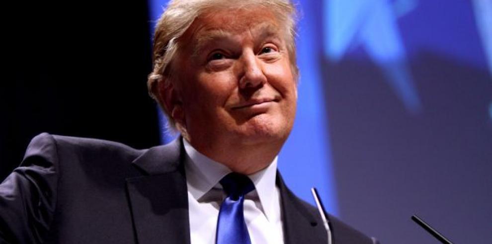 Trump dona tres meses de su sueldo para renovar las infraestructuras en EEUU