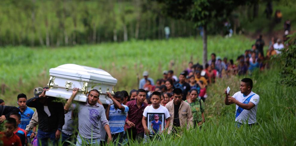 Conmoción e indignación por muerte de niño guatemalteco bajo custodia de EEUU