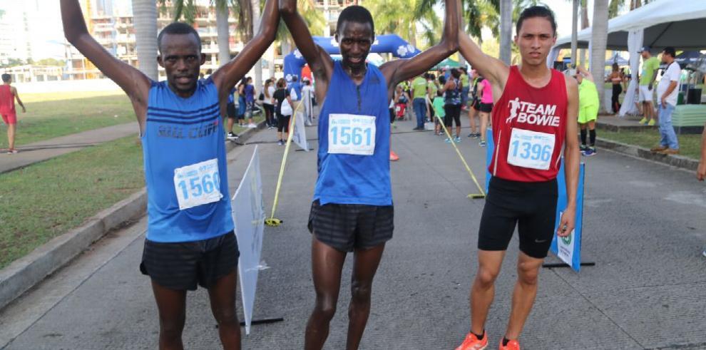 Kenianos, dominantes en los '5K'