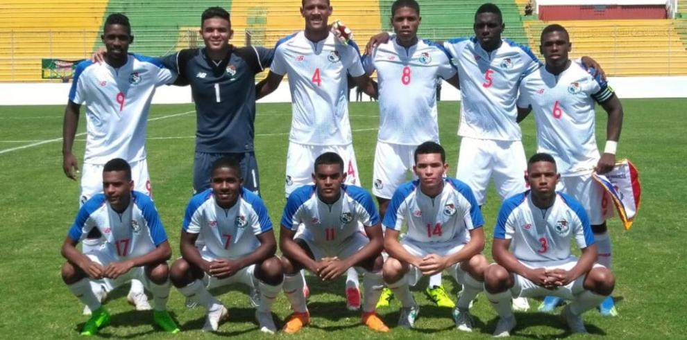 Panamá vence a Costa Rica tras lograr remontada de tres goles