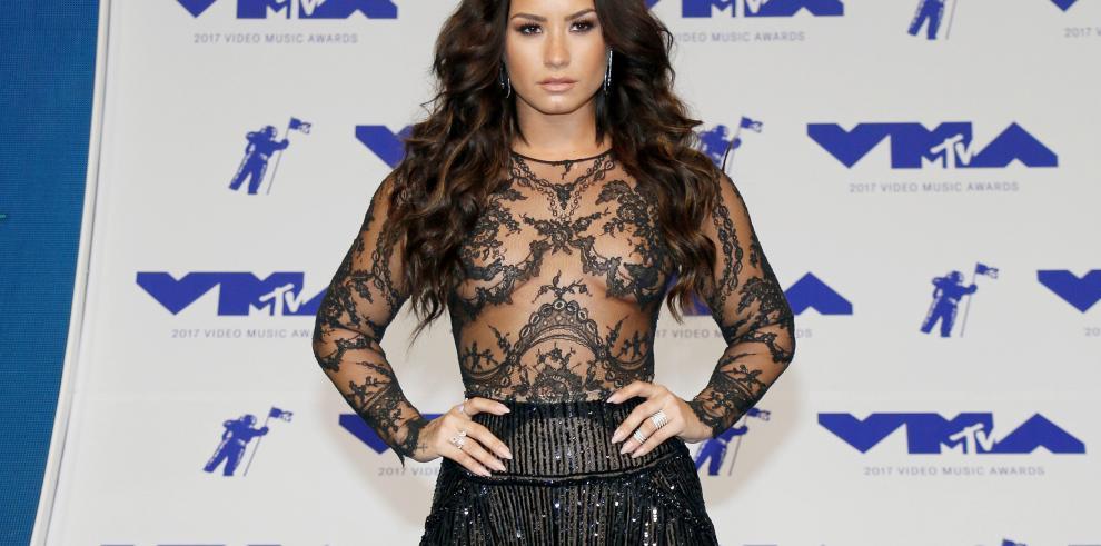 Celebran el cumpleaños de Demi Lovato dando gracias porque siga viva