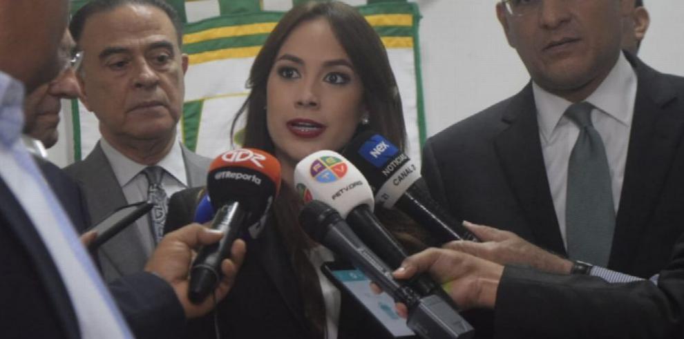 Demandas por más de $12 millones contra periodistas