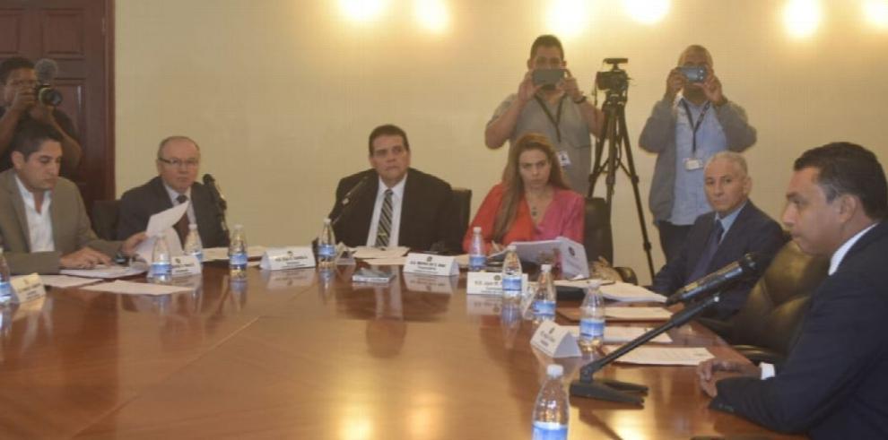 Critican manejo de casos de diputados y magistrados