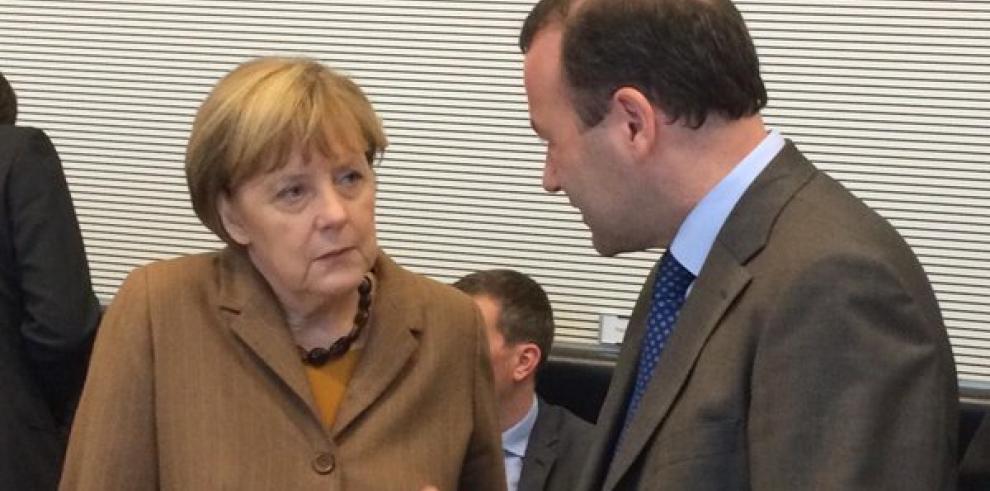 Merkel planea reunirse de nuevo con Trump a finales de abril, según el