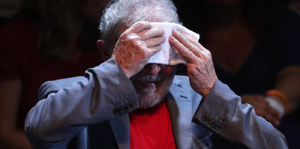 Tribunal brasileño emite orden de arresto paraLula da Silva