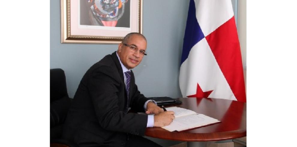 Panamá retira su embajador de Venezuela