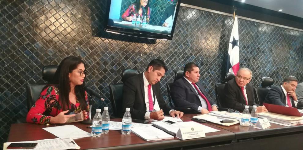 Declaran sesión permanente en la Comisión de Credenciales