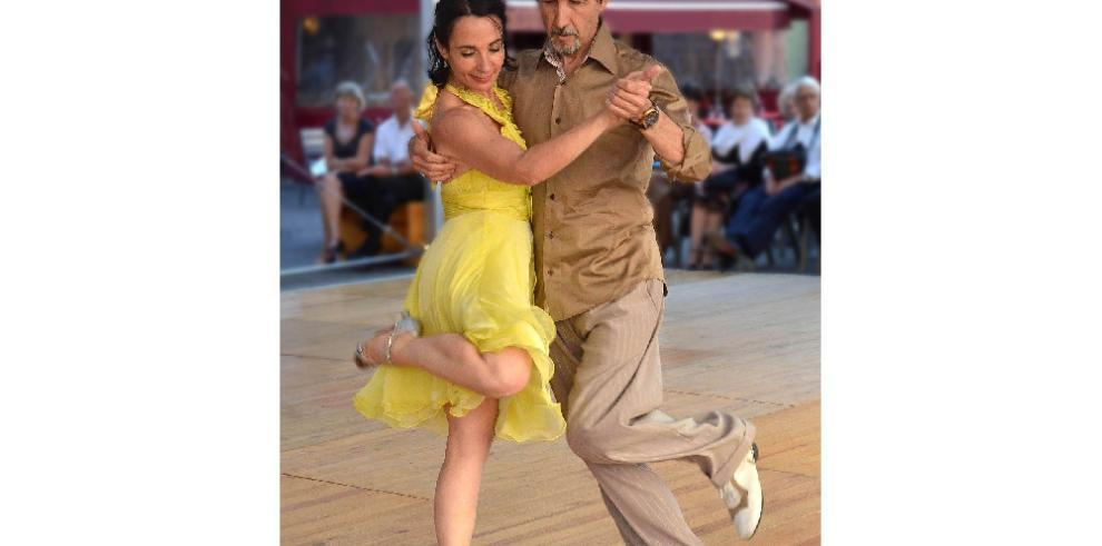 Argentina celebra el Día del Tango recordando su origen mestizo y negro