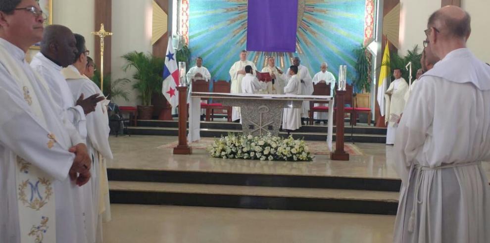 Ulloa celebró la Misa Crismal