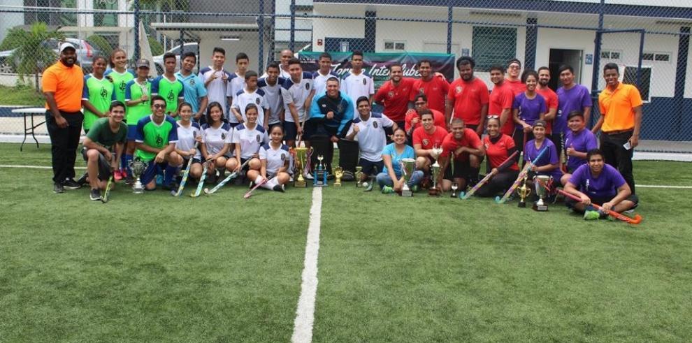Exitosoel Ier. Torneo Interclubes de Hockey Césped e Indoor en Panamá 2018