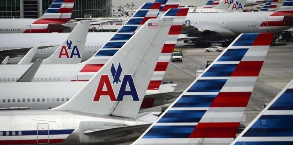 La brasileña Embraer vende 15 nuevos aviones a la aerolínea American Airlines