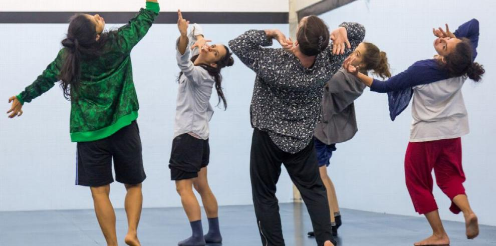 Bailarines españoles demuestran su arte en Panamá