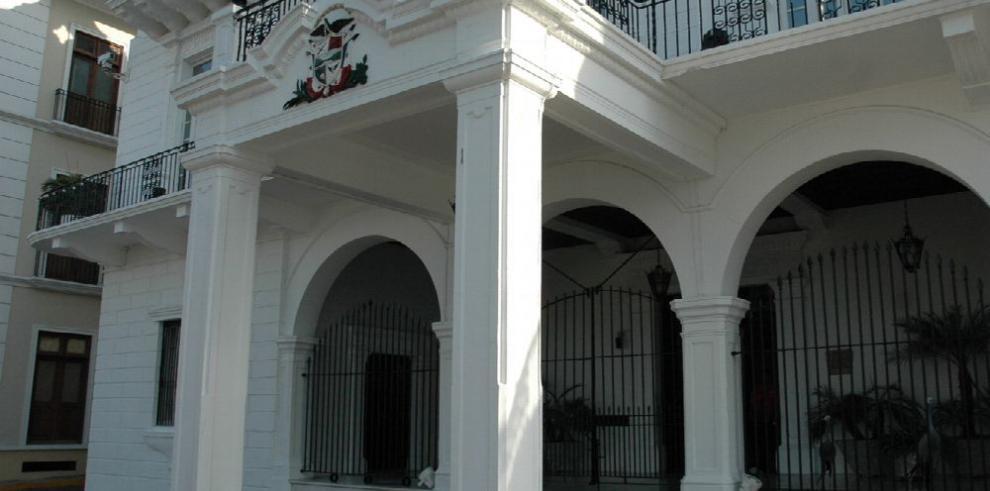 Varela deja en suspenso sustituto de Jerónimo Mejía