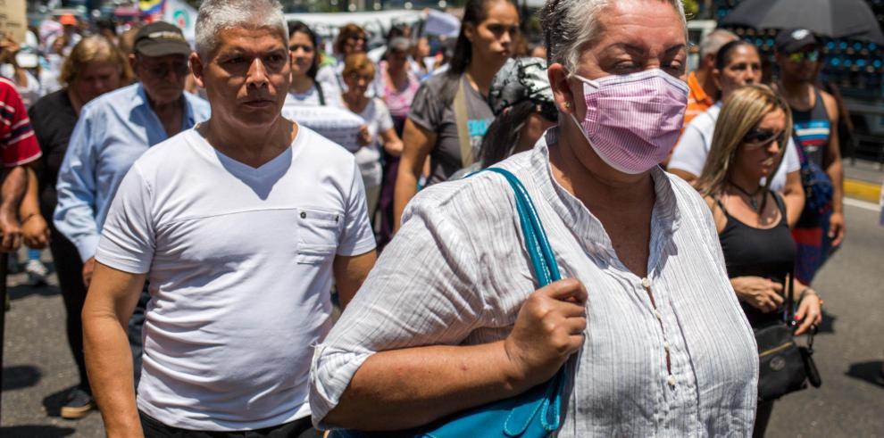 Parlamento venezolano cita a ministro Salud e investigará crisis en el sector