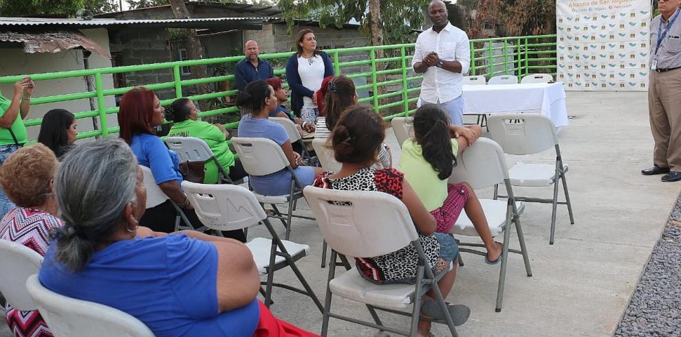 Alcaldía de San Miguelitoentregó proyecto de canalización de quebrada