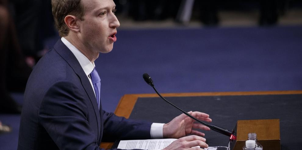 Zuckerberg asume ante el Senado de EE.UU. toda la culpa por la filtración
