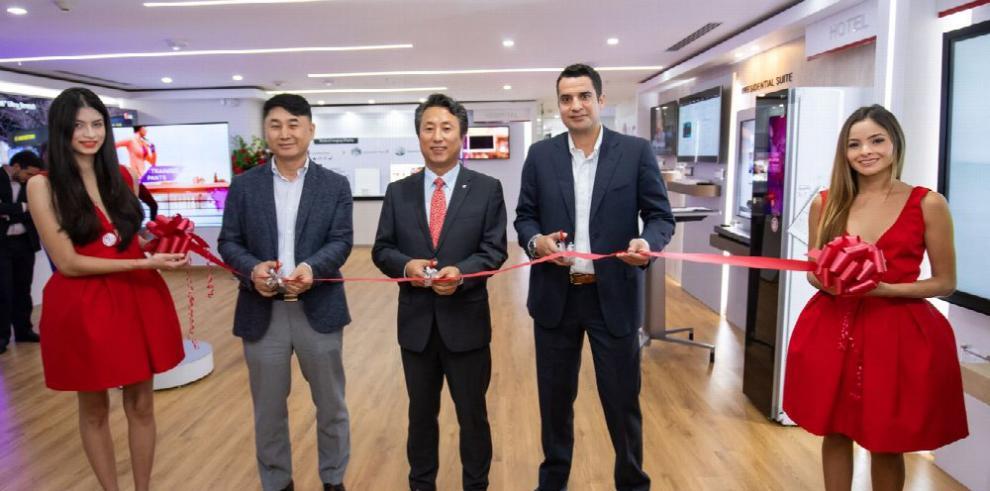 LG abre su primer 'showroom'