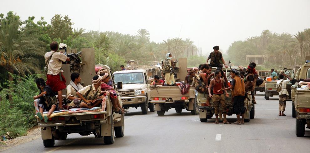 Fuerzas yemeníes conquistan el aeropuerto de Al Hudeida y avanzan por el sur