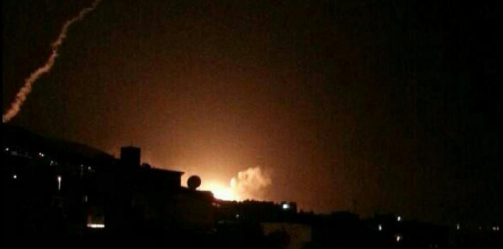 EEUU, Reino Unido y Francia lanzan ofensiva contra armas químicas de Al Asad
